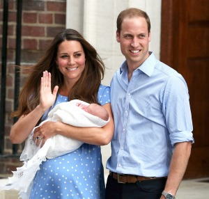 1374609639_kate-middleton-prince-william-baby-zoom